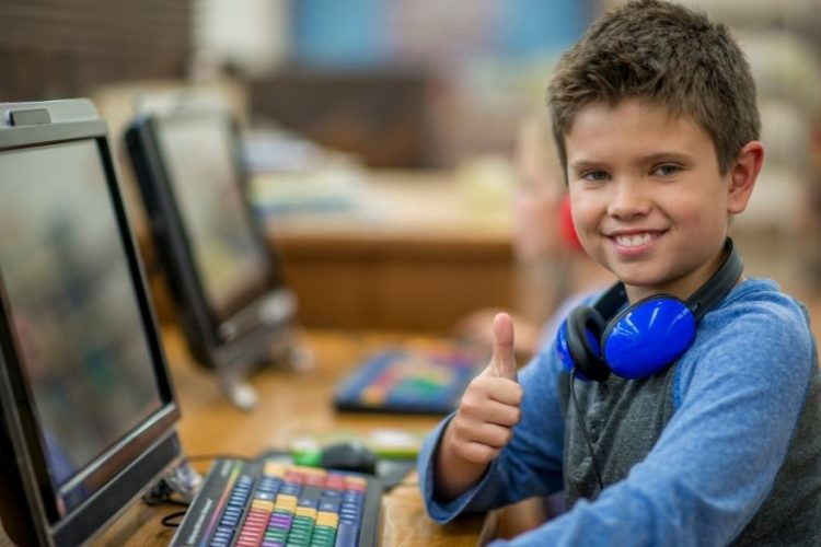 8 principais razões pelas quais todas as crianças devem aprender a codificar